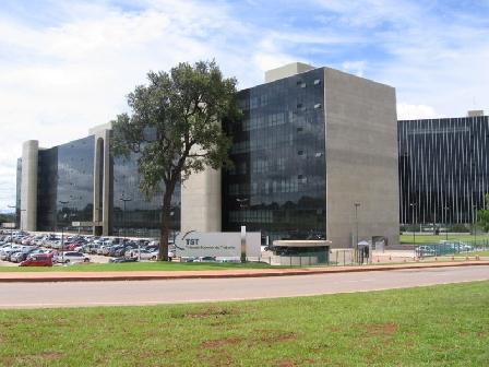 TST anula penhora de salários bloqueados de sócios